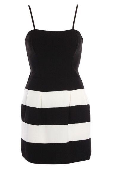Sukienki mini na ramiączkach