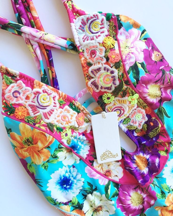 NEW Agua Bendita Swimwear Bendito Violeta One-piece Size M Bathing Suit Colombia #AguaBendita #OnePiece