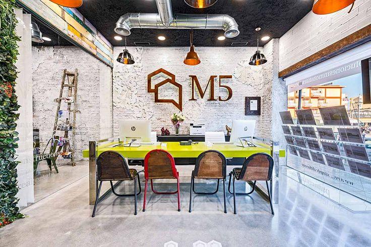 Aménagement et décoration pour agence immobilière.