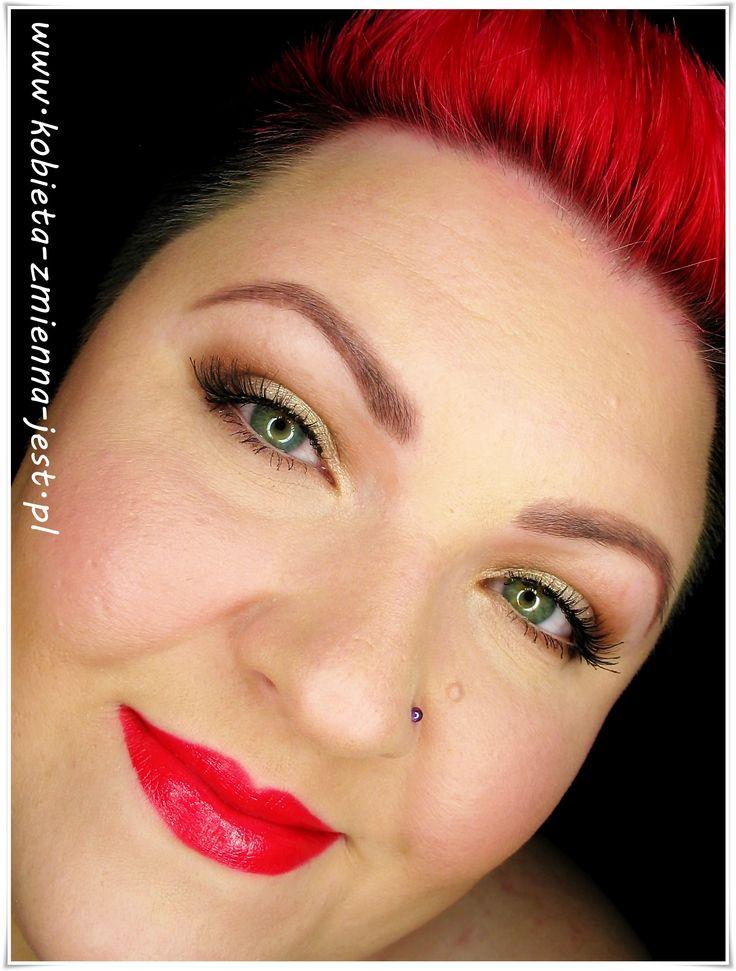 makijaż makeup mocne usta wieczorowy makijaż Rimmel Apocalips Stellar blog makeupblogger beautyblogger real foto pink lips red lips