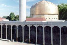 :: London Central Mosque Trust Ltd. & The Islamic Cultural Centre ::