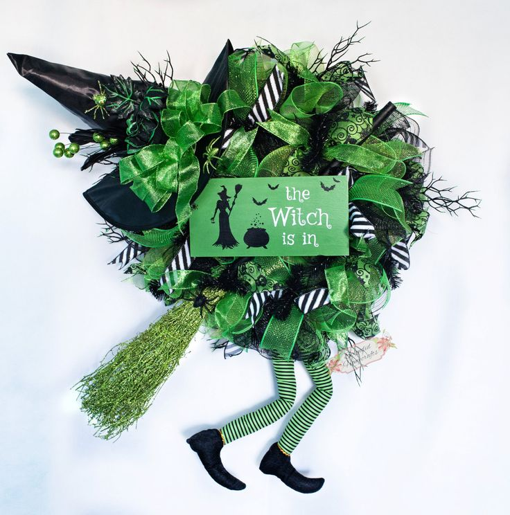 XXL Witch Wreath, Halloween Witch Wreath, Handpainted Sign, Green Halloween Wreath, Witch Hat with Legs, Witch Mesh Wreath, Halloween Wall by Splendid Homecrafts on Etsy
