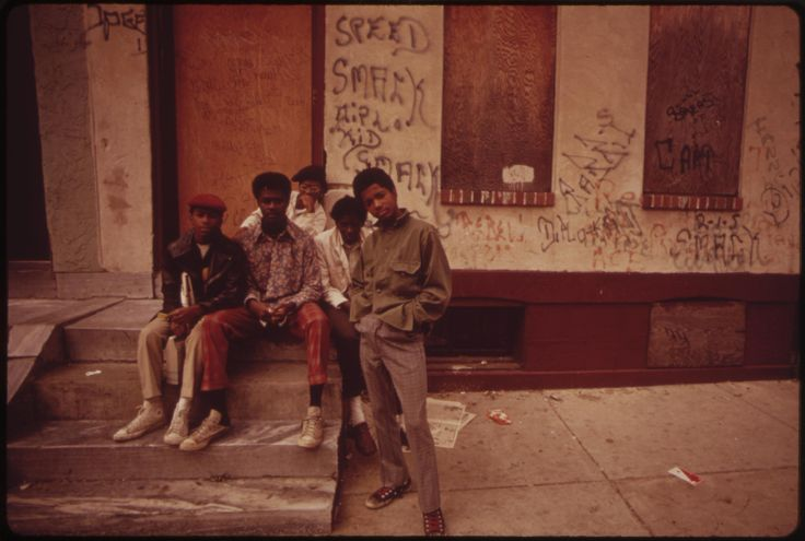the crips street gang essay Both the bloods and crips are located around the same areas essays related to bloods and crips 1 the crips are a notorious street gang on the east and.