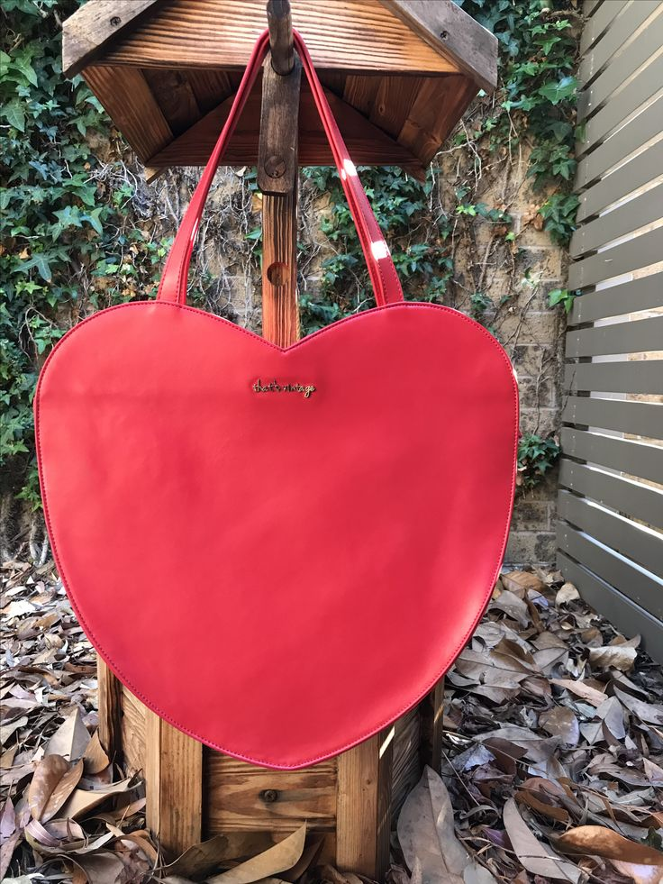 Heart handbag, red handbag