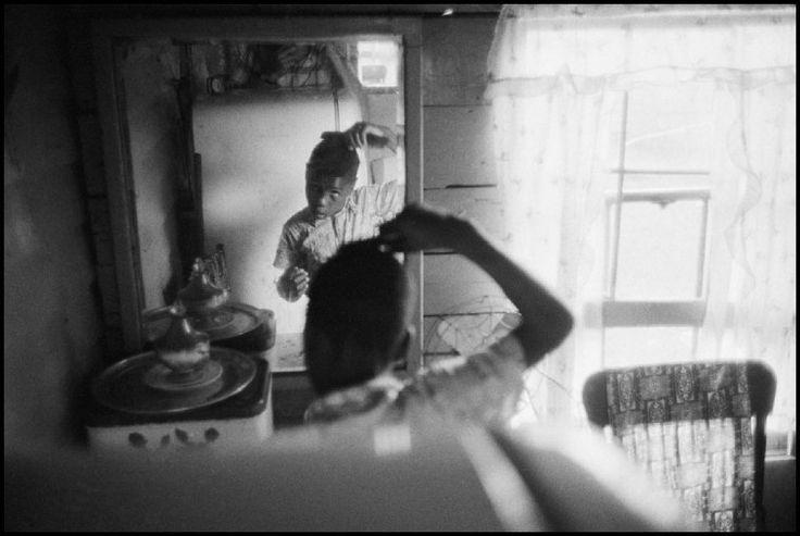 Constantine Manos USA. 1952. Daufuskie Island, SC.