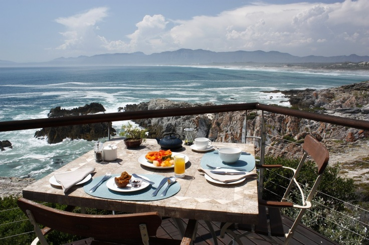 Breakfast with the best view at Cliff Lodge in De Kelders.