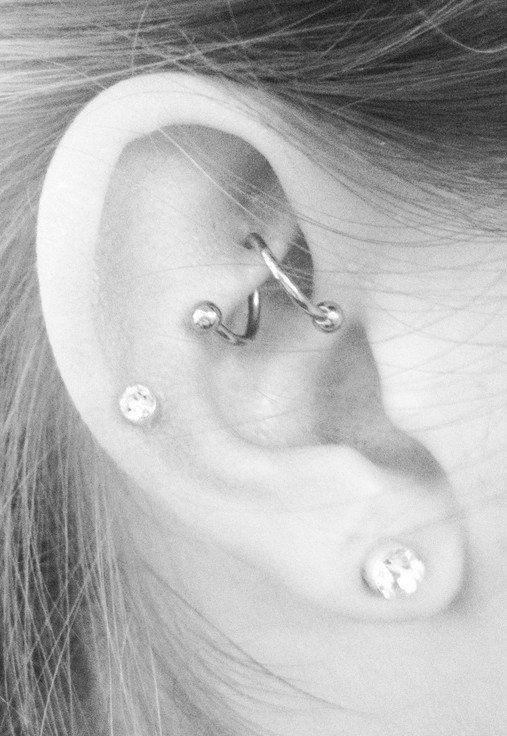 Multiple Unique Cute Simple Ear Piercing Ideas - Cool Rook Piercing Jewelry Hoop...