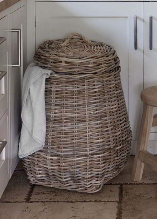 Laundry Bin with Rope Handle and Lid, crafted in rattan