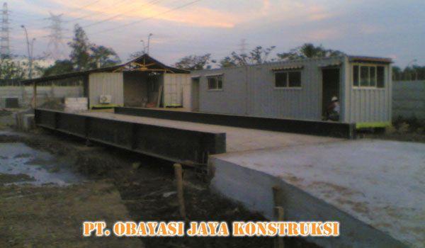 Industri & Pabrikasi Jembatan Timbang  Kami adalah sebuah Perusahaan yang bergerak di bidang industri dan pabrikasi timbangan yang di produksi sendiri di dalam negeri.  Perusahaan didirikan tanggal 7 Desember 2009 dan berbadan hukum no. 00824-02/PK/1.824.271 pada tanggal 8 Desember 2010 dan berkantor pusat di Jalan Sunter Jaya 2 no 15 Jakarta Utara.  Workshop & Office: Jln. Depkes II No. 73A Jatibening Pondokgede  Produk yang kami hasilkan :  Kontruksi berbagai model timbanganJembatan…