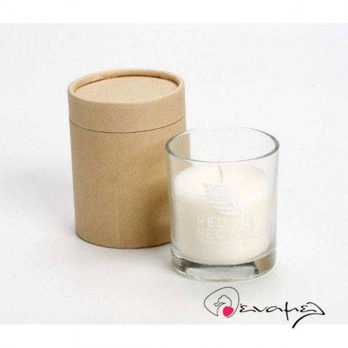 Μπομπονιέρα αρωματικό κερί σε ποτηράκι με κραφτ κουτί.  Διαστάσεις: 9 Χ 7 εκ    Η τιμή αφορά δεμένη έτοιμη μπομπονιέρα με κουφέτα Χατζηγιαννάκης τυλιγμένα σε ζελατίνη ζαχαροπλαστικής - τούλι και κορδέλα σε χρώμα της επιλογής σας.  * Στην τιμή δεν περιλαμβάνετε η διακοσμητική καρδού