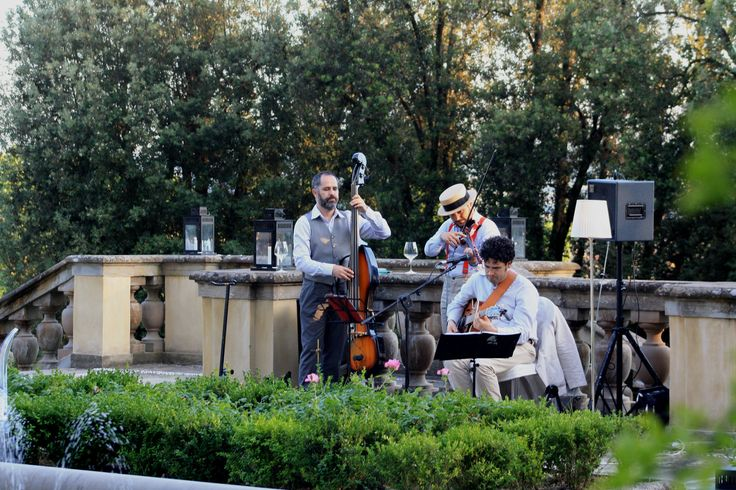 Join us at Il Giardino del Gusto on this hot summer night for a refreshing cocktail and some jazz!   #giardinodelgusto #italianaperitif #cocktails #ilsalviatino