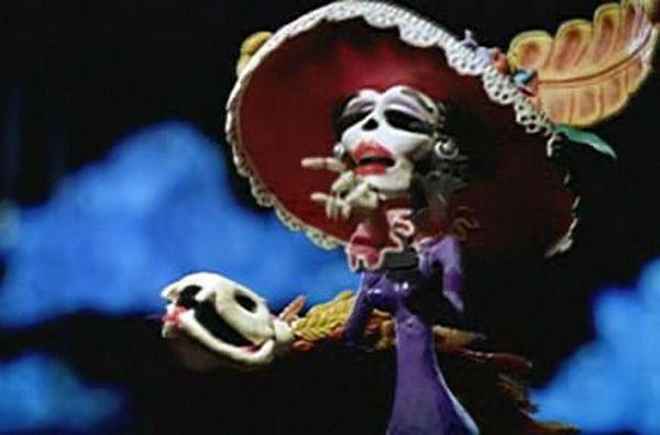 Sin duda esta época del Día de Muertos es una fecha muy importante en el folclor Mexicano, tanto así que en diversos países y hasta en películas extranjeras, piensan que siempre estamos vestidos co…