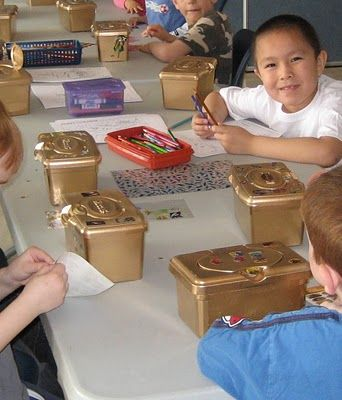 Schatkisten van baby-billen-doekjes dozen.....wat een idee!