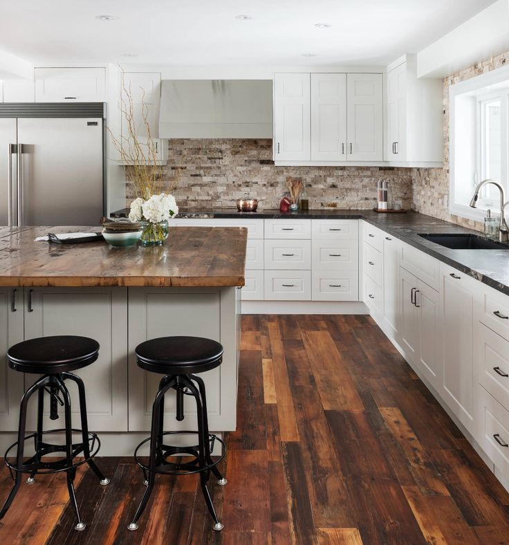 LOVE the flooring in this #kitchen! Via houzz http://www.houzz.com/photos/51642324/Cozy-Country-Reno-transitional-kitchen-toronto #homedesign #homedecor