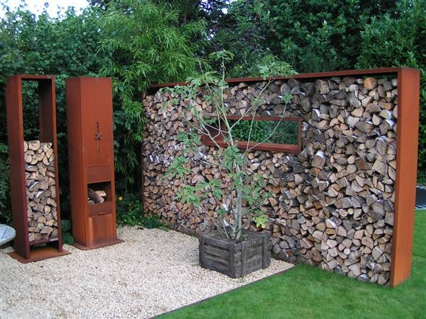 I love this set!  Most especially the wall of logs.  Zeno Products | Quadrato houtopslag