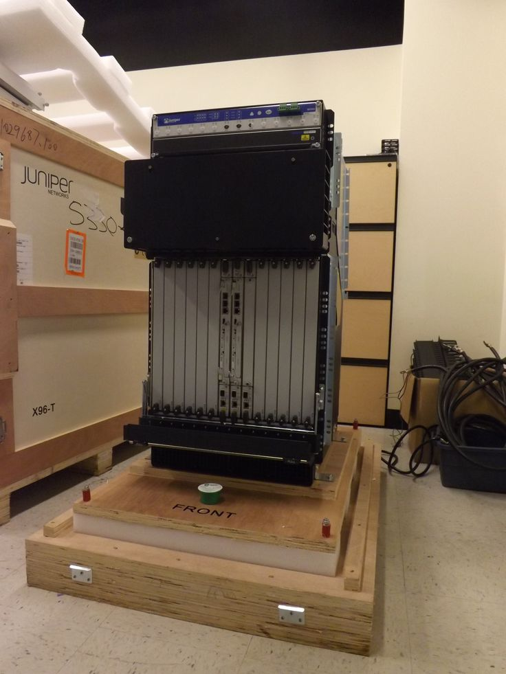 Juniper router MX960 on pallet
