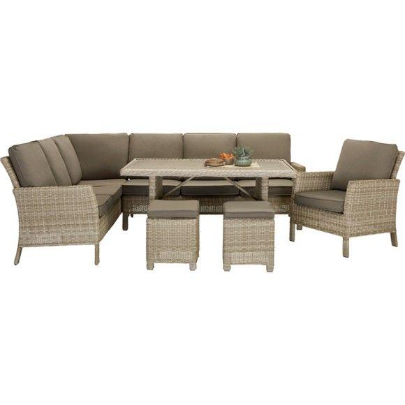 Mit diesen Gartenmöbeln richten Sie sich eine gemütliche Sitzgruppe auf Ihrer Terrasse mit ausgeprägtem Lounge-Charakter ein. Die 2 Dreisitzer - jeweils mit einer Armlehne ausgestattet - können Sie in L-Form zusammenstellen, 2 Hocker lassen sich zusätzliche als flexible Sitzgelegenheiten nutzen. Für ein Plus an Gemütlichkeit sind die Kissen in Taupefarben bereits im Lieferumfang enthalten. Im Zentrum platzieren Sie den Tisch, dessen Platte in Mosaikoptik auch