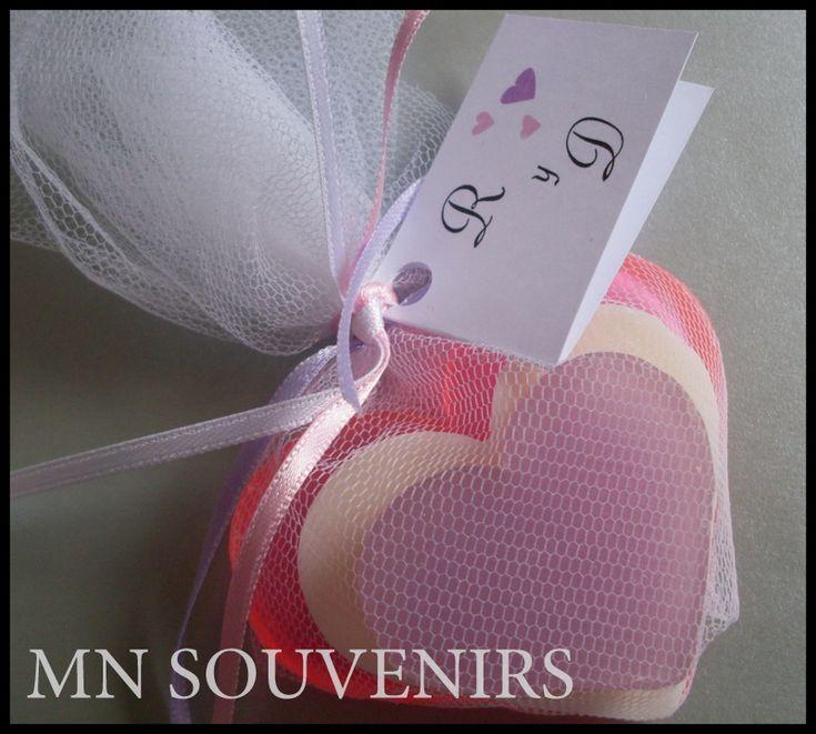 Souvenirs Jabones Artesanales.  Modelo 3 corazones.