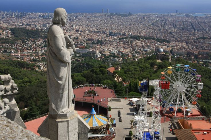 What to do in Barcelona? Spend a day in the Tibidabo amusement park!