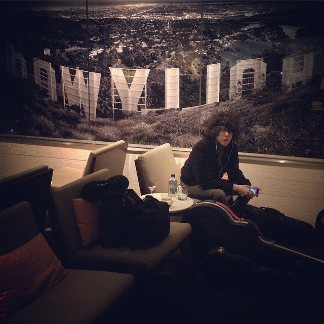 @iamlpofficial waiting in the lounge at #LAX #hollywood #LP