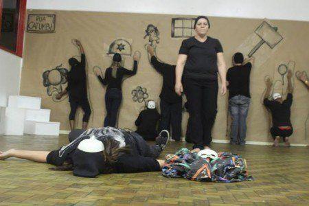 SESI Catumbi oferece curso gratuito de teatro para alunos de todas as idades.