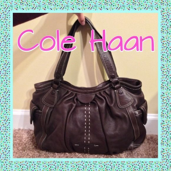 👜 Brown Cole Haan purse Gorgeous brown leather LARGE Cole Haan purse. Only used once or twice. Kept in dust bag ever since. Outside is perfect, inside pockets may need a touch of cleaning. Cole Haan Bags