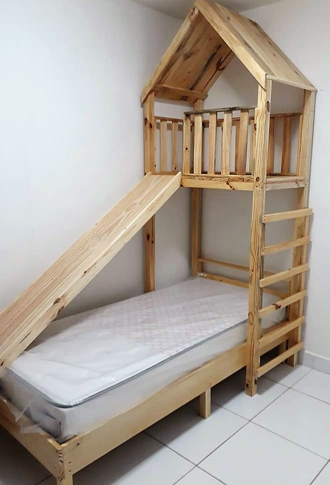 Break Down A Pallet The Easy Way For Wood Projects Pallet Bed