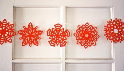 how to make paper snowflakes5 Point, Christmas, Paper Snowflakes, Winter Wonderland Birthday, Crafts Tutorials, Make Paper, Snowflakes Garlands, Paper Crafts, Windows Treatments