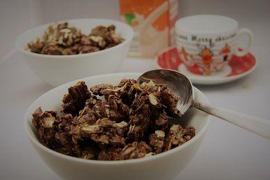Ořechovo-čokoládová granola /Walnut-chocolate granola/ Zdravé, nízkosacharidové, bezlepkové recepty. (Healthy, low carb, gluten free recipes.)