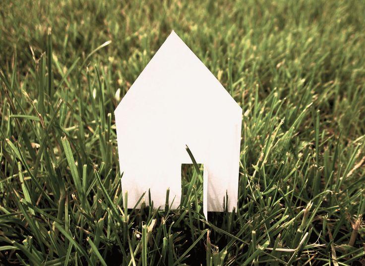 Wissenswertes für Bauherren zum Thema Hausbau findet man auch in diversen Büchern die sich mit den Themen Finanzierung, Bauvertrag, Hausinstallation, Nebenkosten, Tipps & Tricks, etc, befassen.
