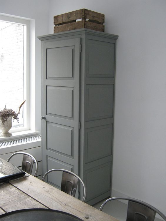 Monument grey eggshell: