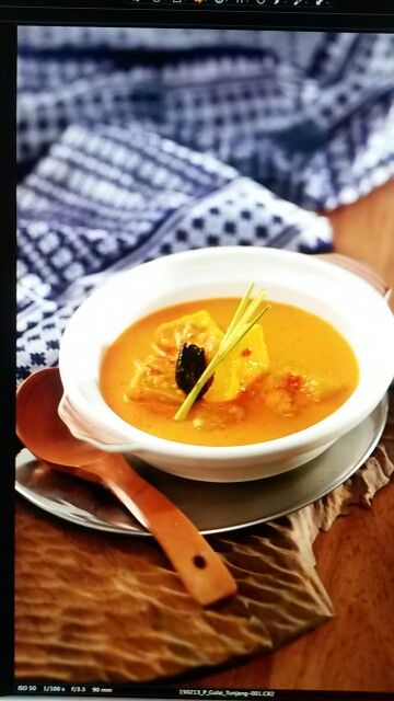 Gulai tunjang, one of yummiest padang food #indonesianfood #foodstylist #traditional #indonesia