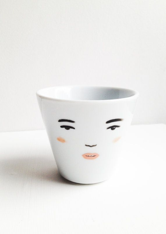 Vintage Face Tea Cup with Round Handle