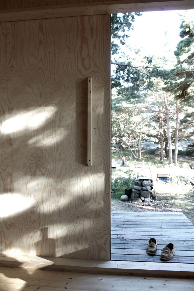 Located on the tranquil island of Trossö, Sweden, this cabin for two combines a quaint and woodsy atmosphere with contemporary design and amenities. Small enough to be homebuilt, the...