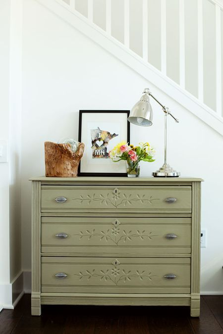 What color to paint your furniture? (25 DIY Projects) - @Jackie Applegate Cutts