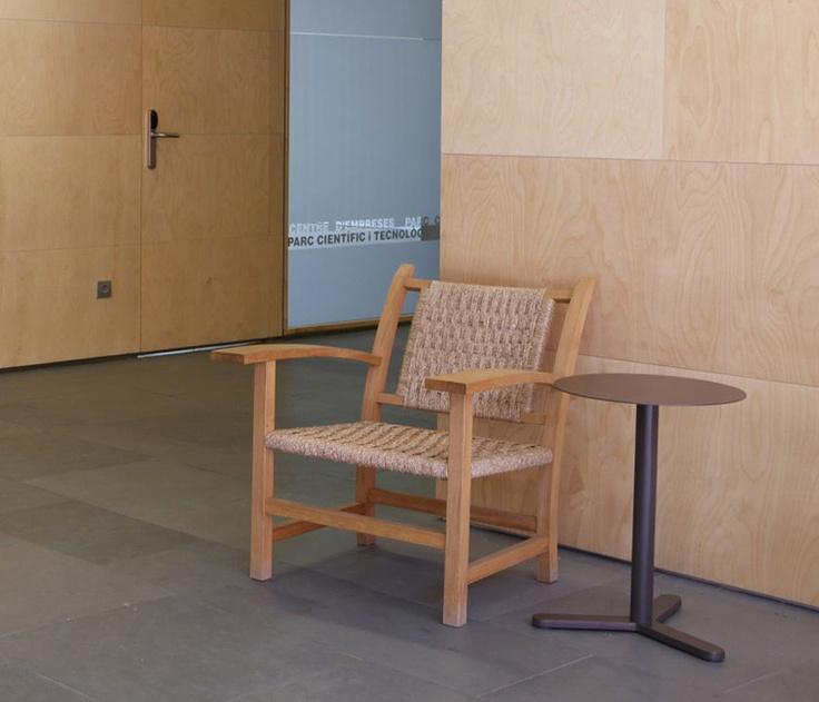 Butaca Torres Clavé de Mobles 114.  Diseño : JM Torres Clavé.  Muebles de diseño.