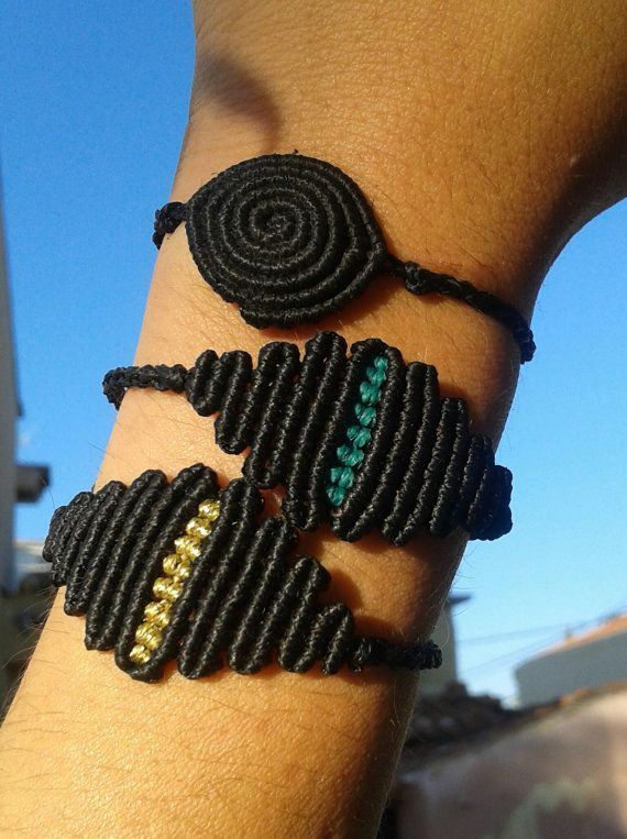Cat's eye macrame bracelet