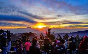 PAKET WISATA BROMO MALANG - Batu Kawah Ijen Surabaya Gunung Bromo Tour