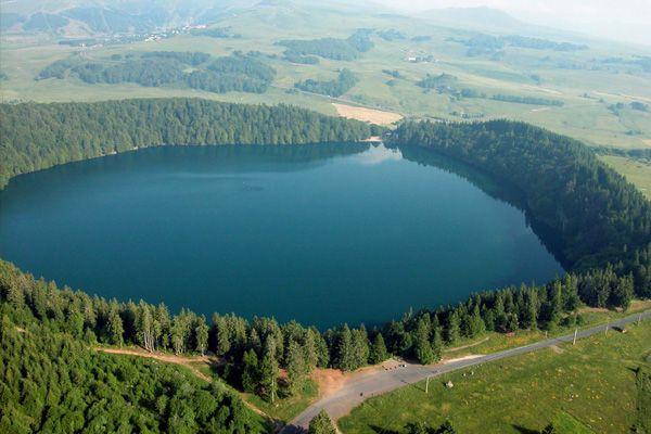Lac Pavin. Auvergne. France