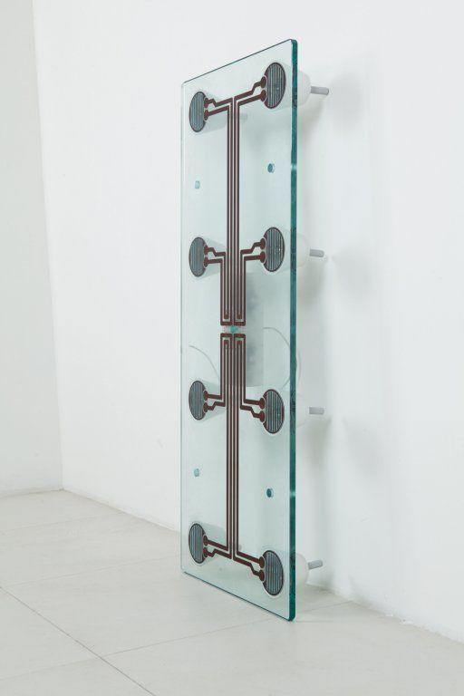 Lot : NANDA VIGO  - Un tavolino, pezzo unico, circa 1970.  - Ottone, ottone cromato,[...] | Dans la vente Design et Arts Décoratifs du 20ème à Aste di Antiquariato Boetto