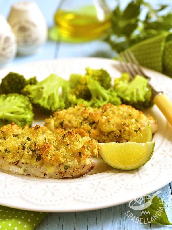 Baked cod with breadcrumbs - Il Merluzzo al forno con pangrattato è un secondo di pesce molto salutare e al contempo gustosissimo, con la sua crosta di pangrattato!