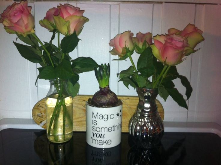 Juiceflasken er blitt til en vase :)