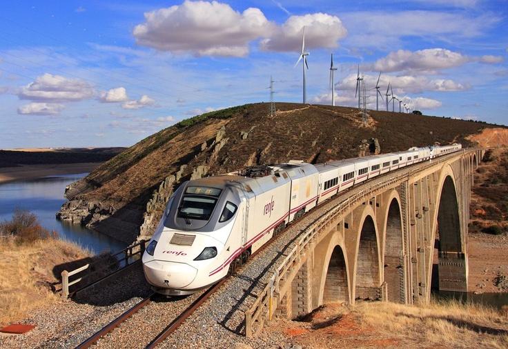 El Alvia 730 destino Galicia. Foto obtenida en TRANVIA Portal: El portal de ferrocarril en Español