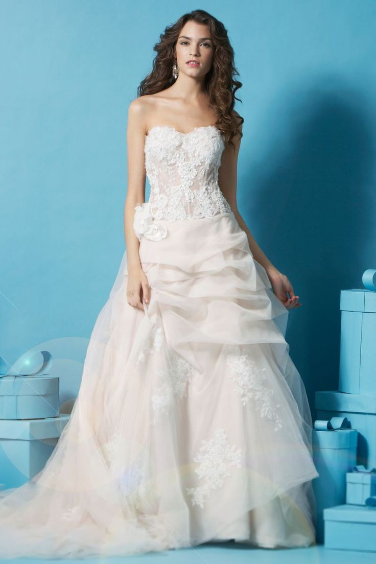 64 best Wedding Dresses images on Pinterest | Wedding frocks ...