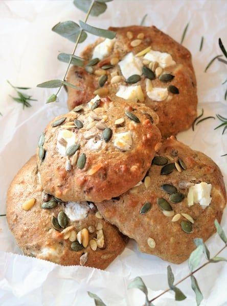 Hartige geitenkaas broodjes zonder gluten die je in een handomdraai kunt maken zodat je elk gewenst moment kunt genieten van een heerlijk tussendoortje!
