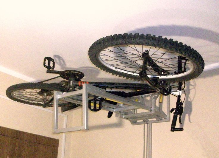 STORAGE OF BICYCLES IN VERY NARROW SPACES