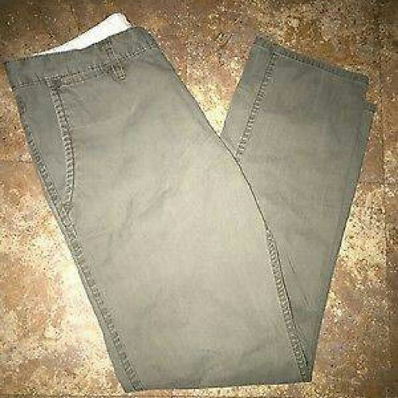 Dockers men's Khaki pants 32 x 30 NWOT Dockers Pants