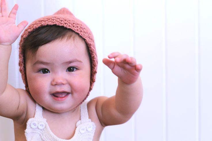 Knitted pixe hat baby // baby pixie bonnet // design by Dreamiknit on Etsy