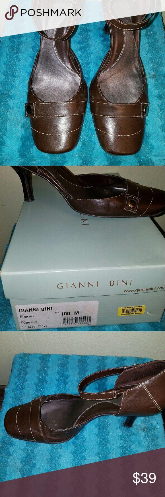 Gianni Bini Brown Short Heel Gianni Bini Brown Short Heel w/ Buckle Gianni Bini Shoes Heels