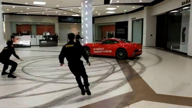 Бывший мэр Архангельска Александр Донской устроил гонки на Ferrari в ТЦ ...